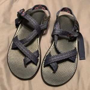 Chaco men's 9.  Lightly used!